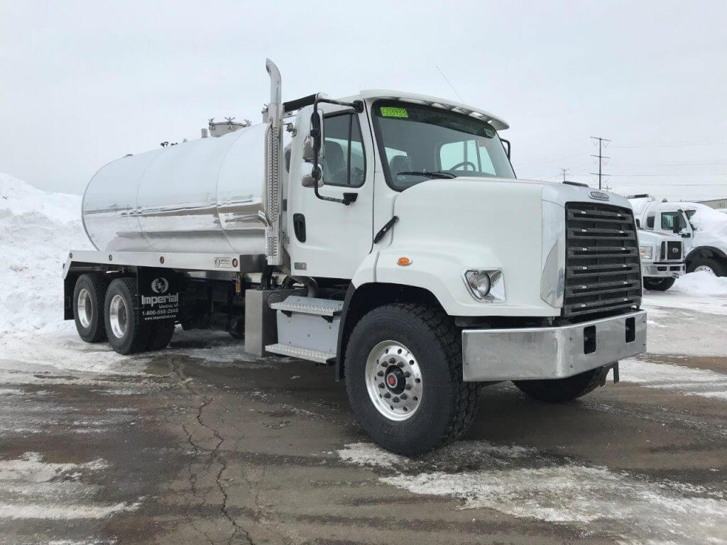 2019 Freightliner 108SD with a 4200 Gallon Tank - Imperial