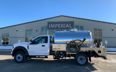 2019 Ford F550 Diesel with 1300-Gallon Aluminum Tank 2-unit porta-potty pumper and hauler